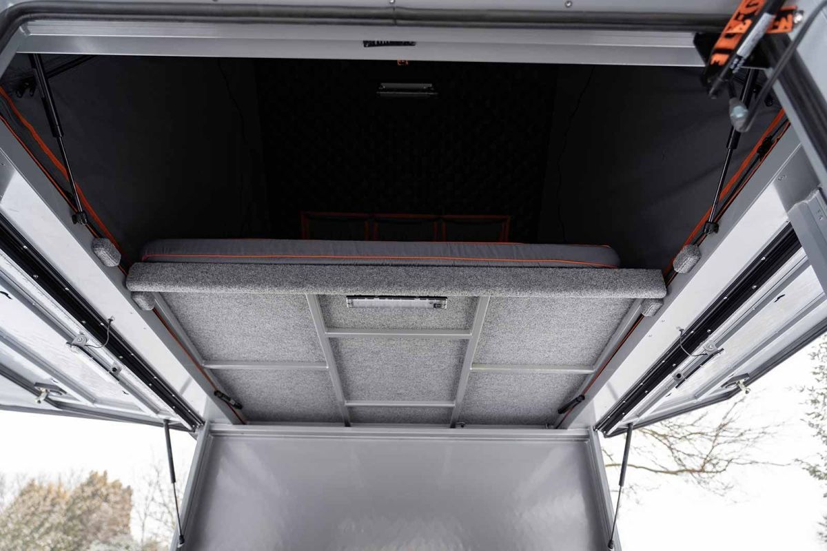 Alu-Cab Canopy fold-down bed