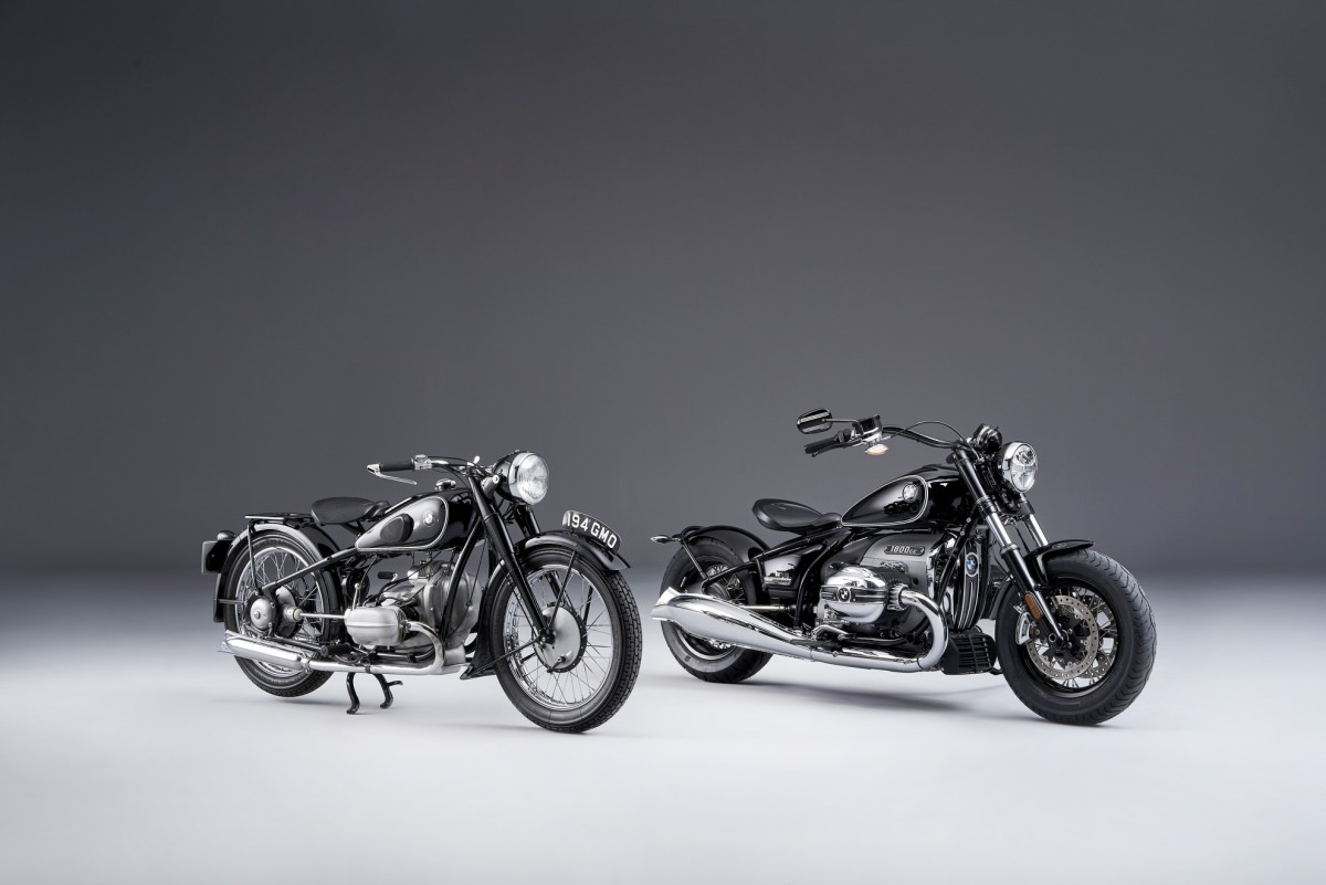 Th3 2021 BMW R18 Cruiser First Edition next to its inspiration source, the 1936 R5