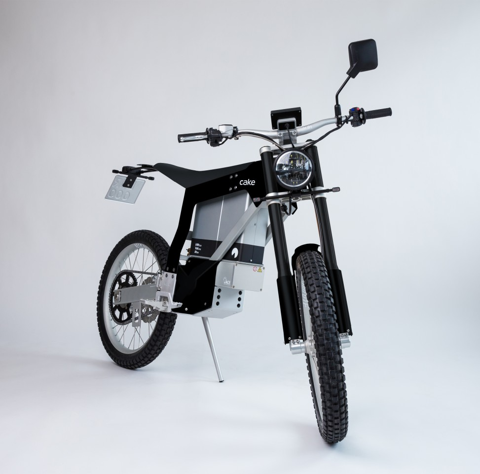 The Kalk Ink SL has been treated to removable head, tail and turn lights, an LED display, a foot brake and more