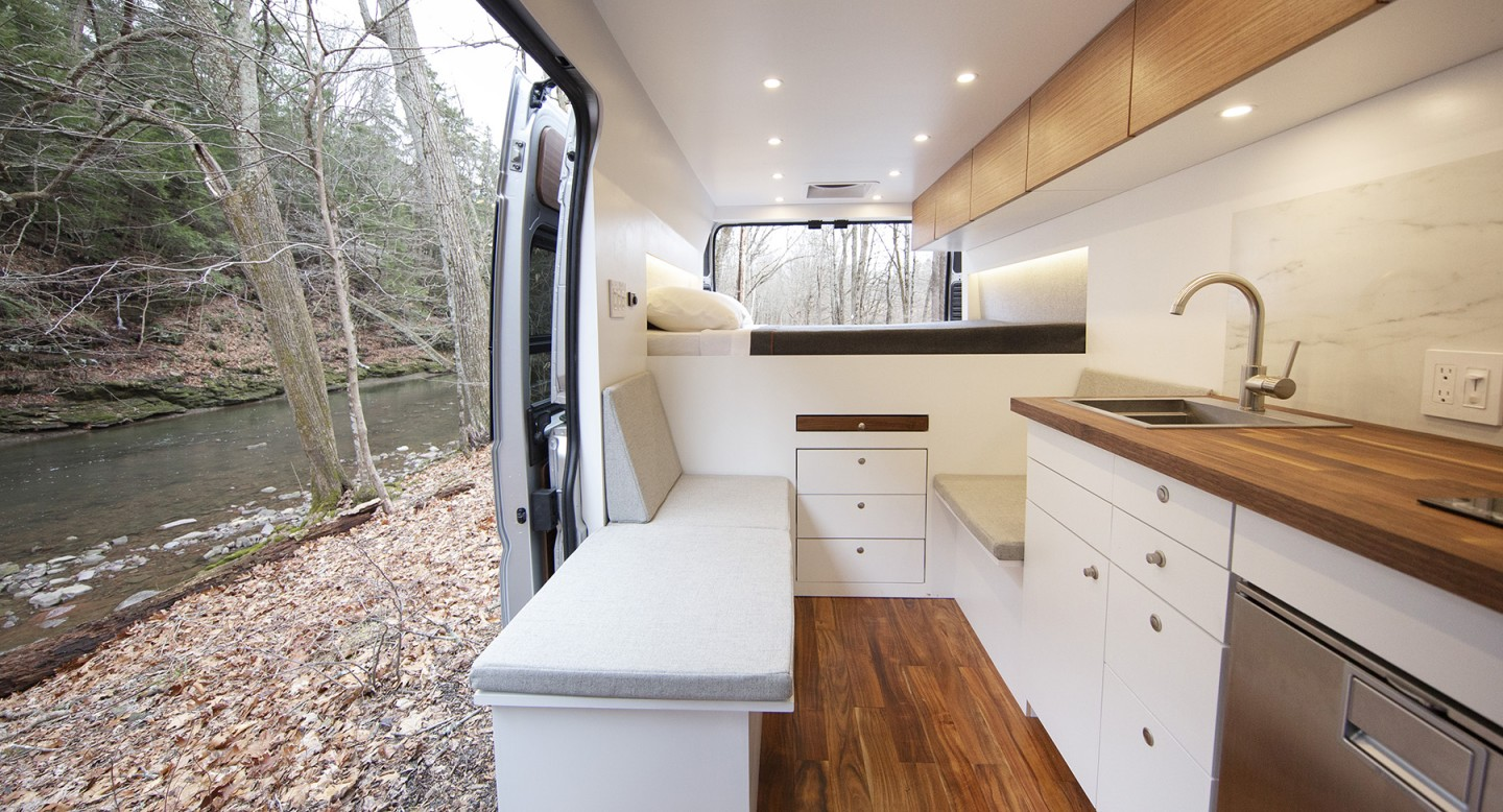 We think this combination of white, stainless steel and wood is very clean and stylish