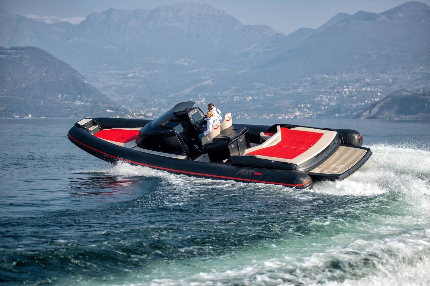 The STRIDER 11 ABT SPORT MASTER LIMITED EDITION is a luxury sports speedboat developed with Italian boat builder SACS.