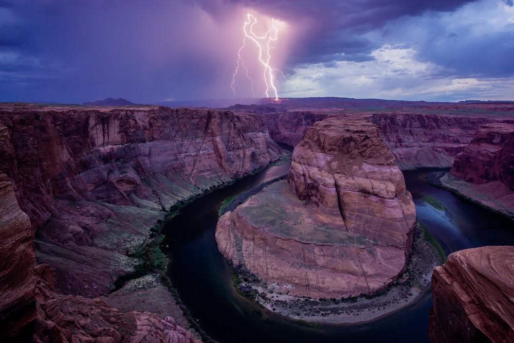 Nominee, Landscape, Amateur. Horseshoe Lightning