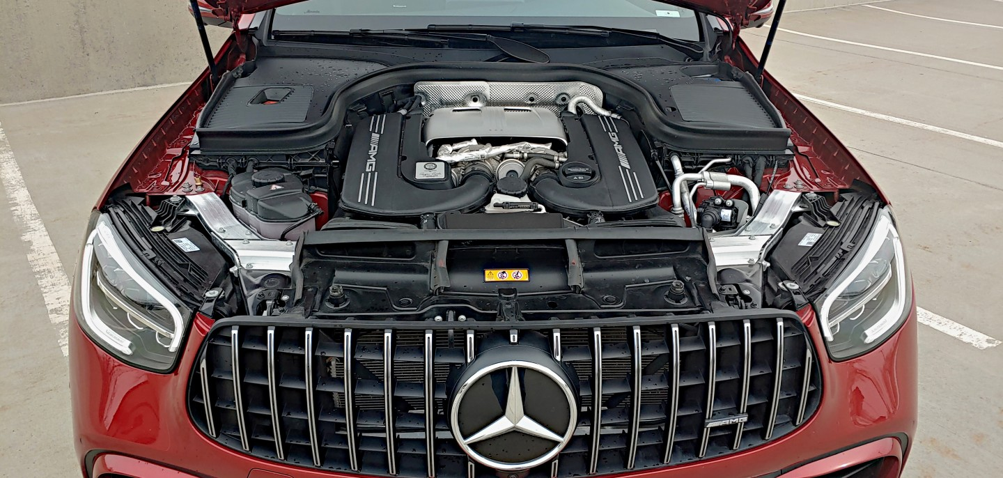 The AMG 63's big V8 puts a lot of power to the road quickly, thanks to supercharging