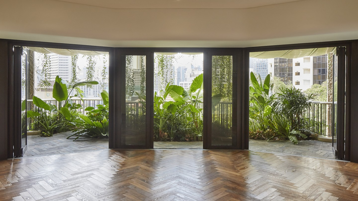 Throughout Eden's interior, natural imperfections have been retained, such as natural patterns in the limestone and saw marks left visible in the handmade wooden flooring