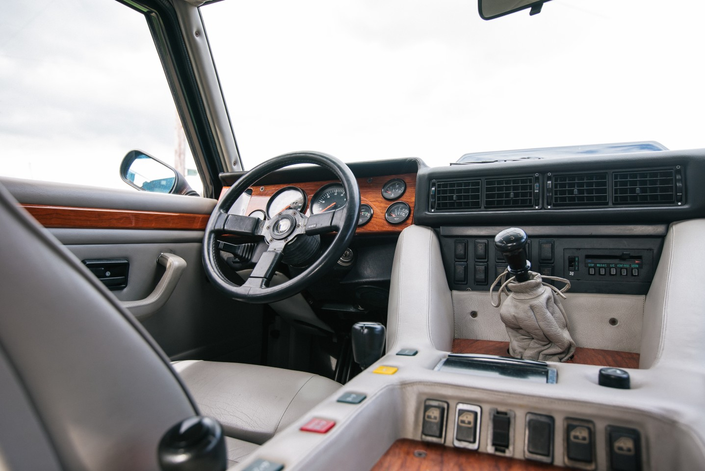Gorgeous interior of the Lamborghini LM002