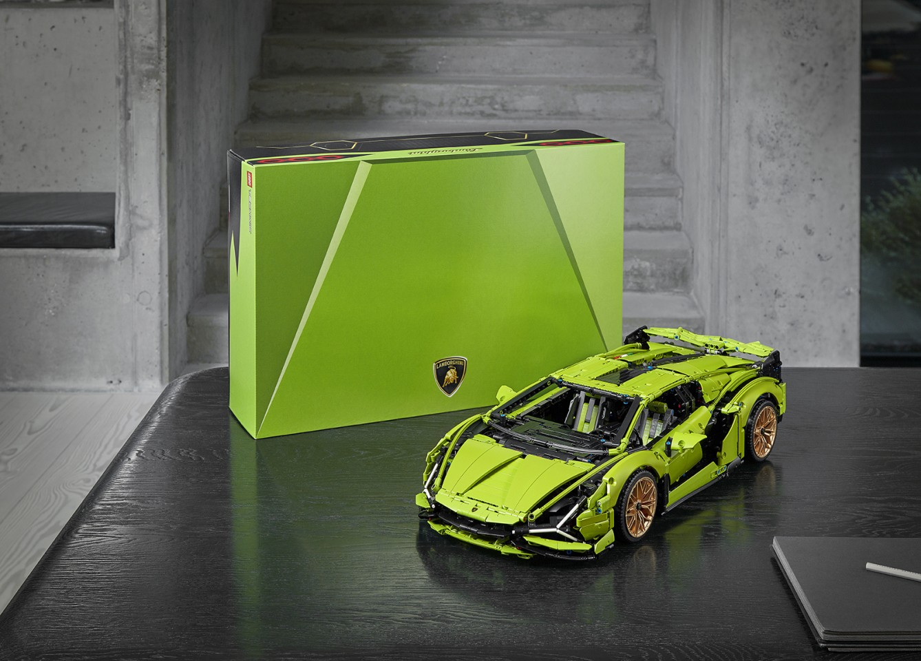 The Lego Sián FKP 37 comes in a unique box inspired by Lamborghini's lines