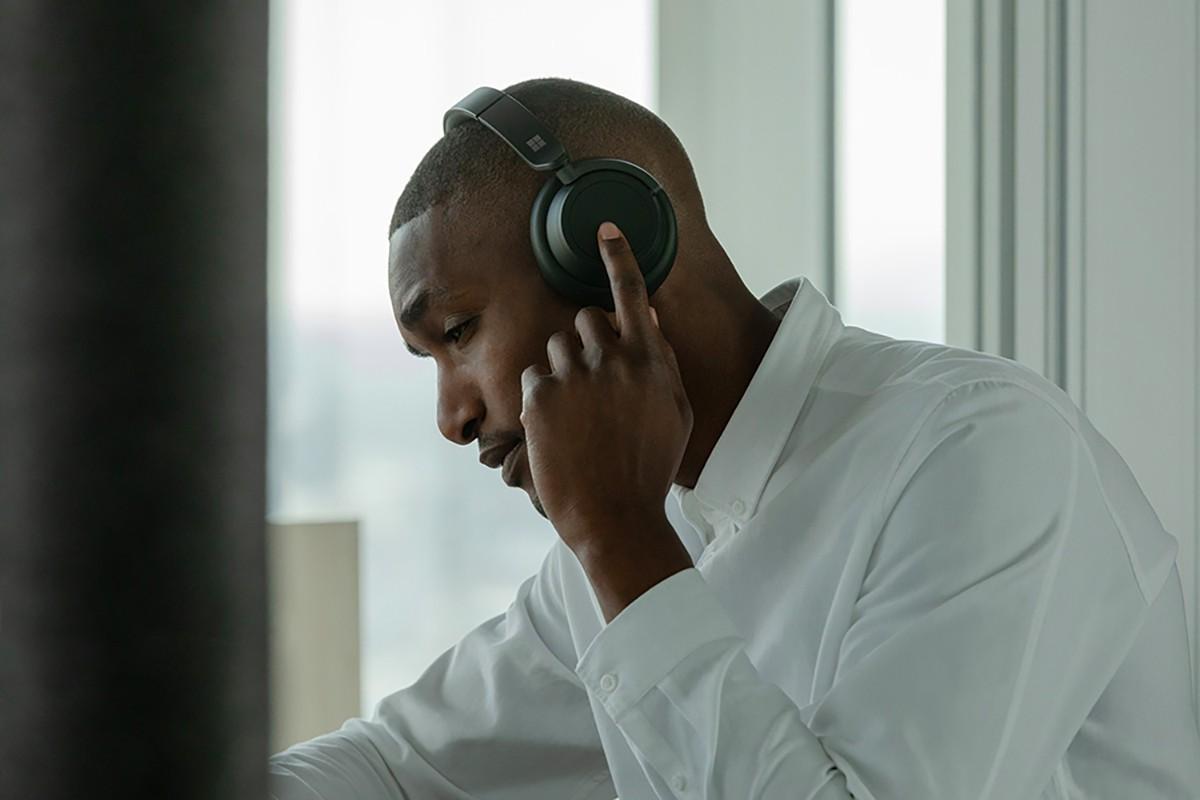 The Surface Headphones 2 are Microsoft's premium, noise-canceling headphones