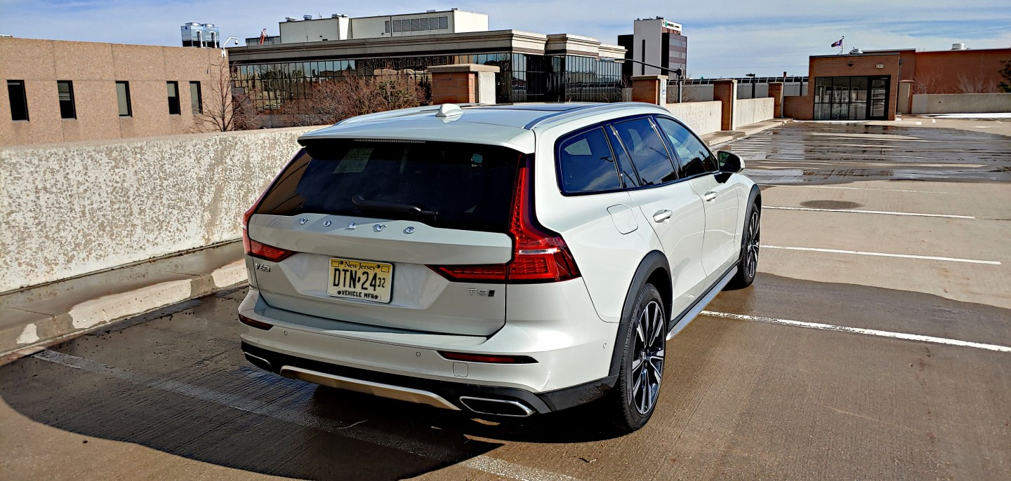 At the rear, the V60's windows narrow for a more dramatic, fast-paced look, but still allow a lot of rear visibility for the driver