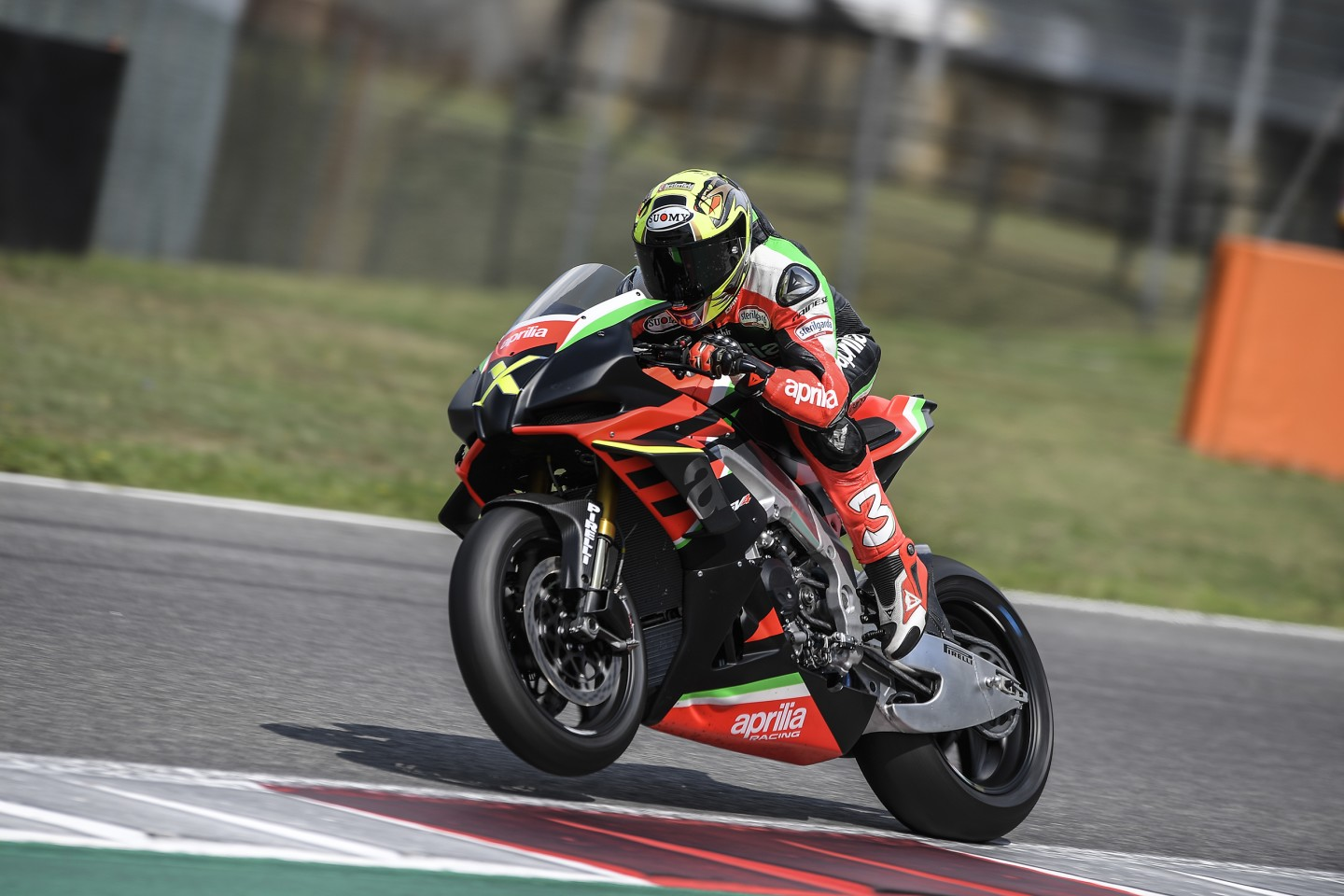"""The ultra-exclusive Aprilia RSV4 X has a stratospheric power-to-weight ratio and a weird """"no neutral"""" gearbox"""