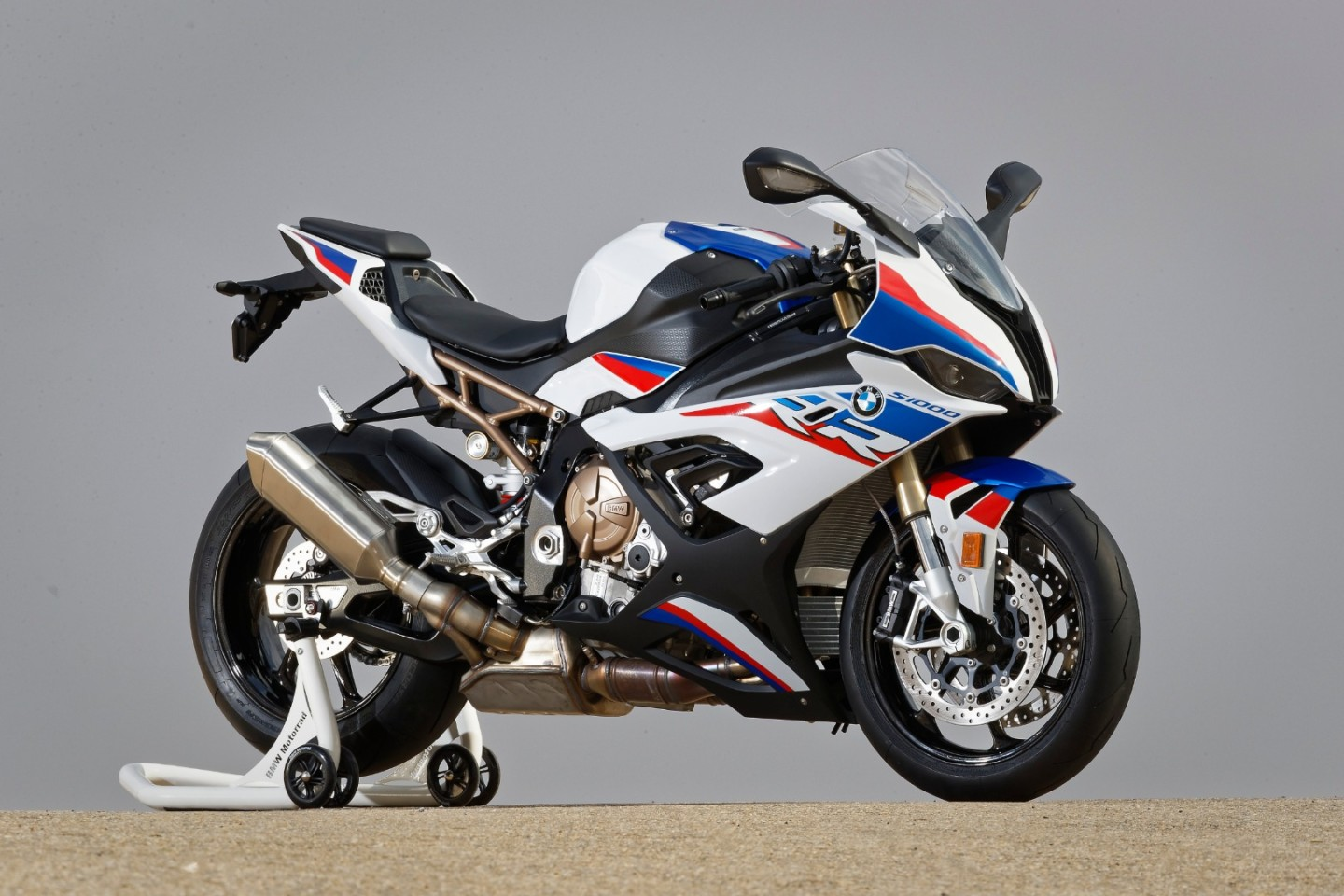 2019BMW S1000RR:new exhaust actually looks pretty good – it's also a fair bit lighter