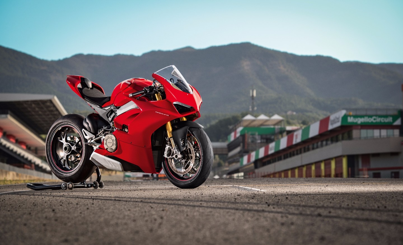 2018 Ducati Panigale V4 S:the new horsepower king of the superbike showroom