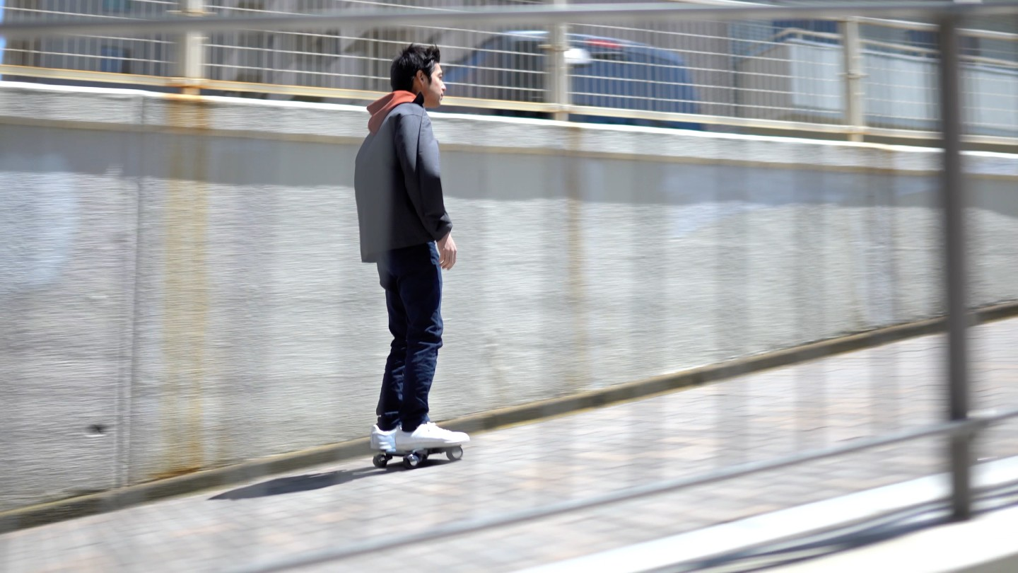 The Walkcar can handle inclines of 10 degrees