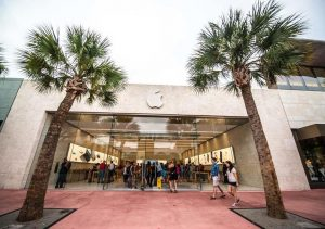 Apple to reclose 30 more US stores amid COVID-19 case spike in seven states