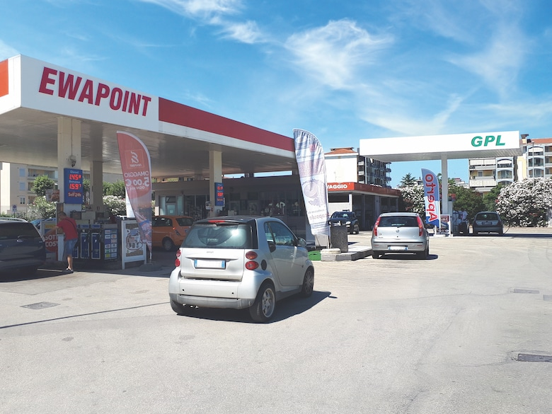 The unique physical characteristics of EWAPOINT's service station and its location in the center of Santa Maria Capua Vetere, Italy, required some clever thinking in order to properly outfit it with a fuel-storage and -dispensing system for its new Autogas offering. The solution: a vertically installed underground storage tank that is operated via an Ebsray® RC40 Series Regenerative Turbine Pump, which allows the fueling of up to four vehicles at once, all in a manner that meets strict regulatory requirements regarding noise generation and environmental safety.