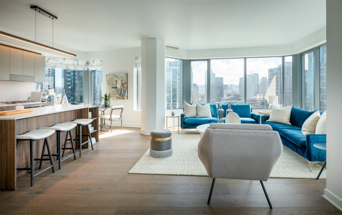 Mira's apartments range in size between one and three bedrooms and offer choice views of San Francisco