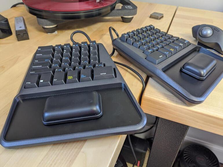 Zergo Freedom review: An impressive ergonomic and programmable keyboard