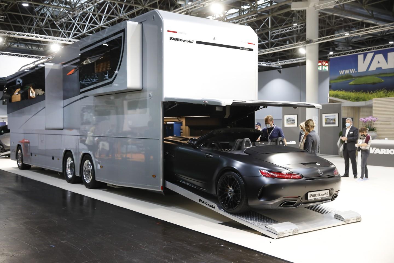 The Vario Perfect 1200 Platinum on show at the 2020 Düsseldorf Caravan Salon