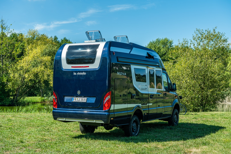 The Nova M has a standard Sprinter wheelbase with a 646-cm body that lands between standard 593-cm and long 697-cm Sprinter vans