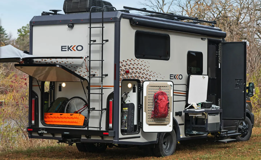 With plenty of gear storage, an available slide-out kitchen and an all-wheel-drive chassis, the Ekko looks the part of an off-grid camper