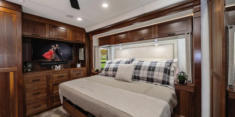 Winnebago Journey rear king bedroom