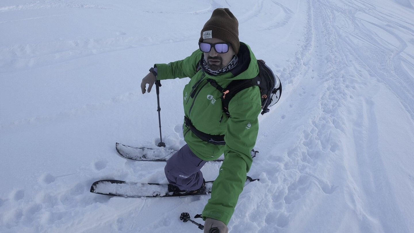 Dr. Joerg Kaufmann tries out the splitboard in its ski configuration