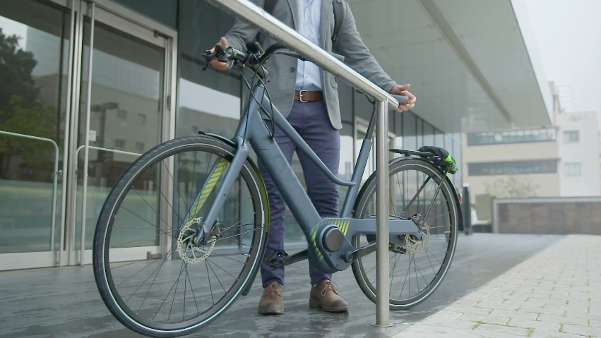 The Oyo automatically shifts to its lowest gear when the bike stops moving