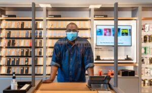 Verizon shops for store staff